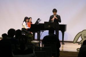 画像:オーボエとピアノによるオープニング演奏